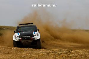 Hungarian Baja Toyota Hilux háttérkép