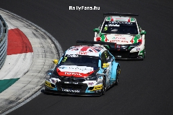 Tom Chilton (Citroen)&Michelisz Norbi (Honda Civic) WTCC Hungarroring